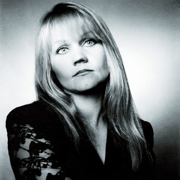 Eva Cassidy in a reflective pose.