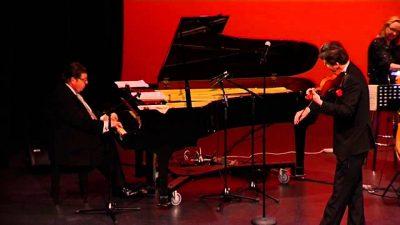 Glenn Amr and Vov Dylan perform live.